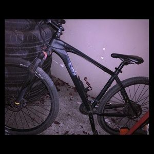Giant talon 1 mountain bike- 29er